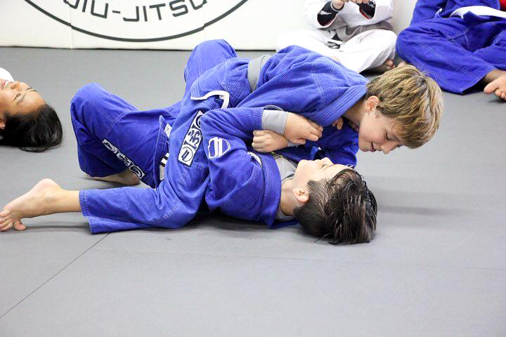 brazilian jiu jitsu kids sparring